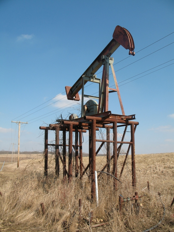 another-oil-pump-med